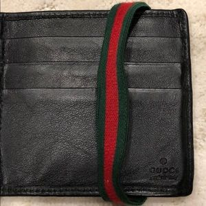 96eb84289af Gucci Accessories - Gucci wallet with money clip   stripe band
